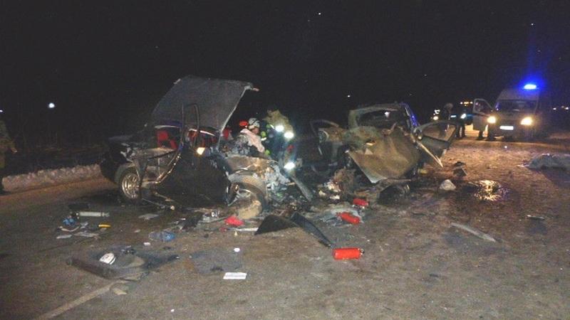 Первые фото с места ДТП в Татарстане, где погибли 4 человека