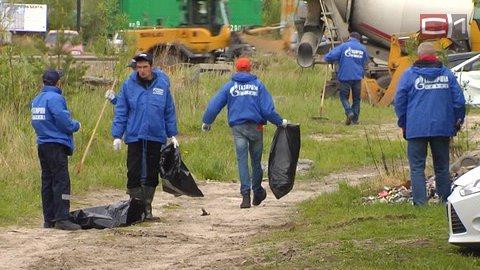 Вывезли три КамАЗа мусора Это была первая из трех запланированных уборок, и, как отметили...