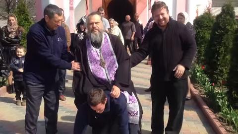 священник изгоняющий бесов лискинский район лекарственных средств большинстве